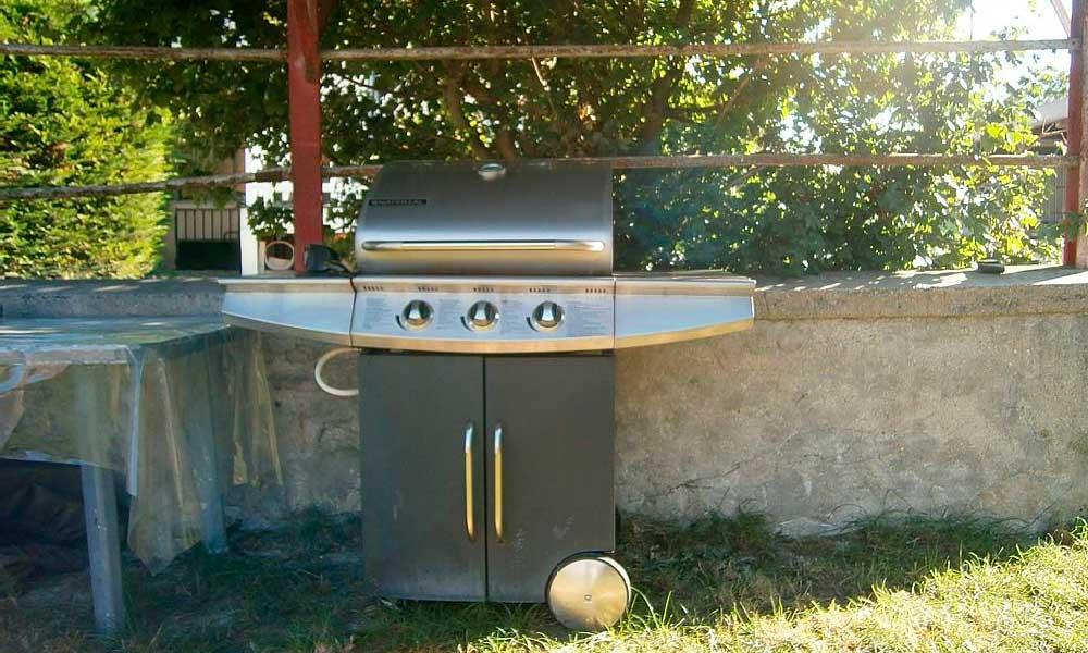 Barbecue à gaz - Maison de Campagne