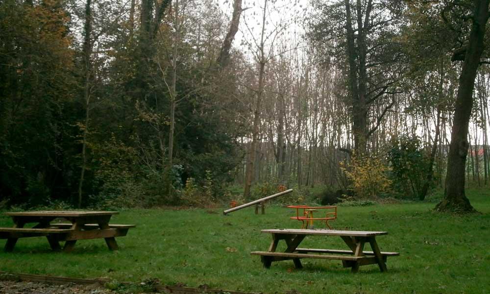 Terrain de jeux de la commune de Saint-Rémy-le-petit