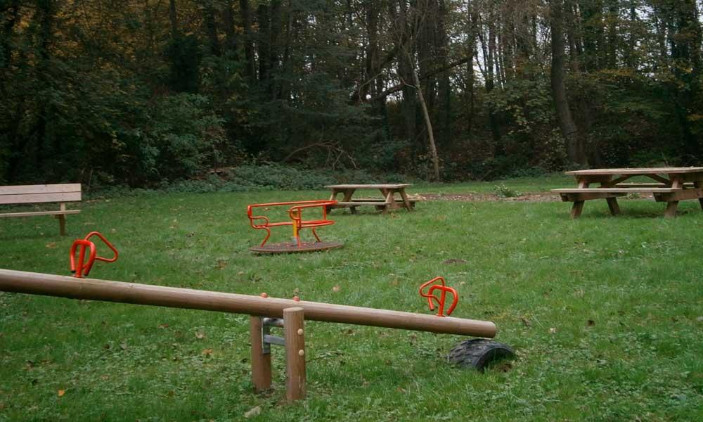 Terrain de jeux sur la commune de Saint-Rémy-le-Petit